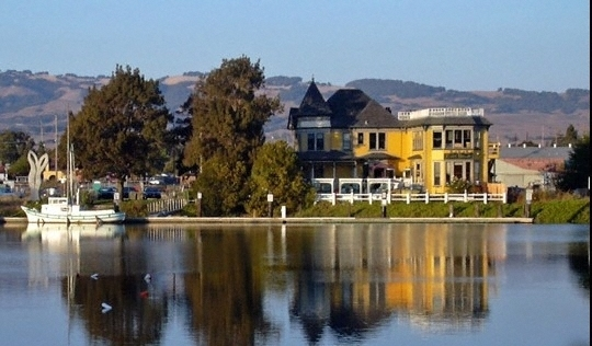 Petaluma River House Cafe