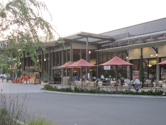 Outdoor dining area near Paradise Foods and Boca Pizzeria in Novato, taken by Kelley Eling, Marin County Realtor