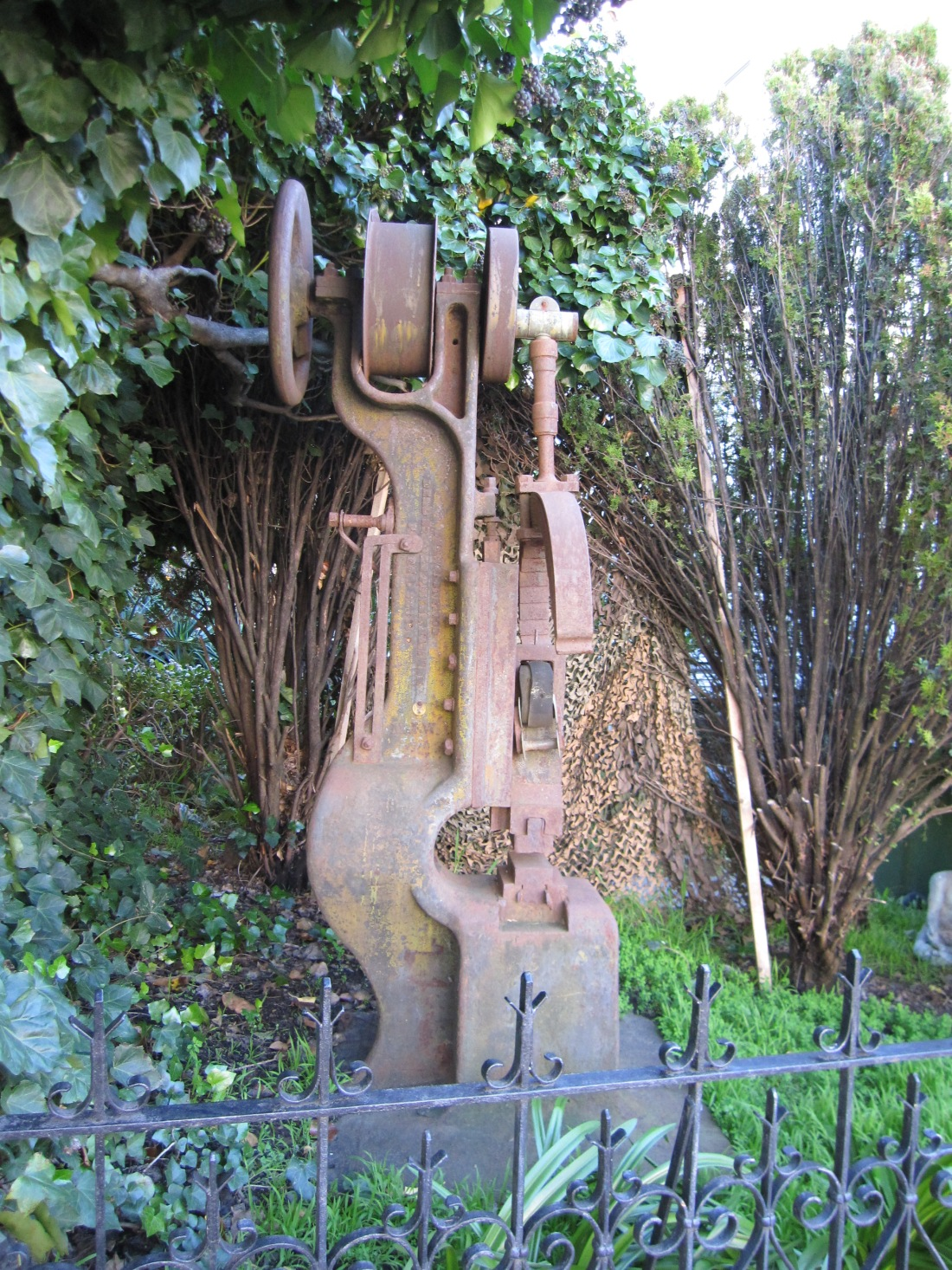 Sculpture on 5th Avenue in San Rafael by Kelley Eling, Marin County Realtor
