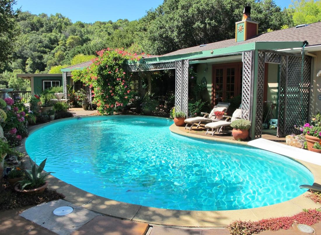 Pool at 27 Vista Way, Fairfax, CA