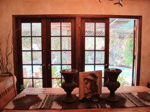 8 dining with open door