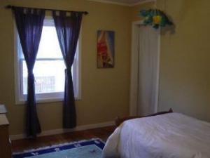 middlebedroom