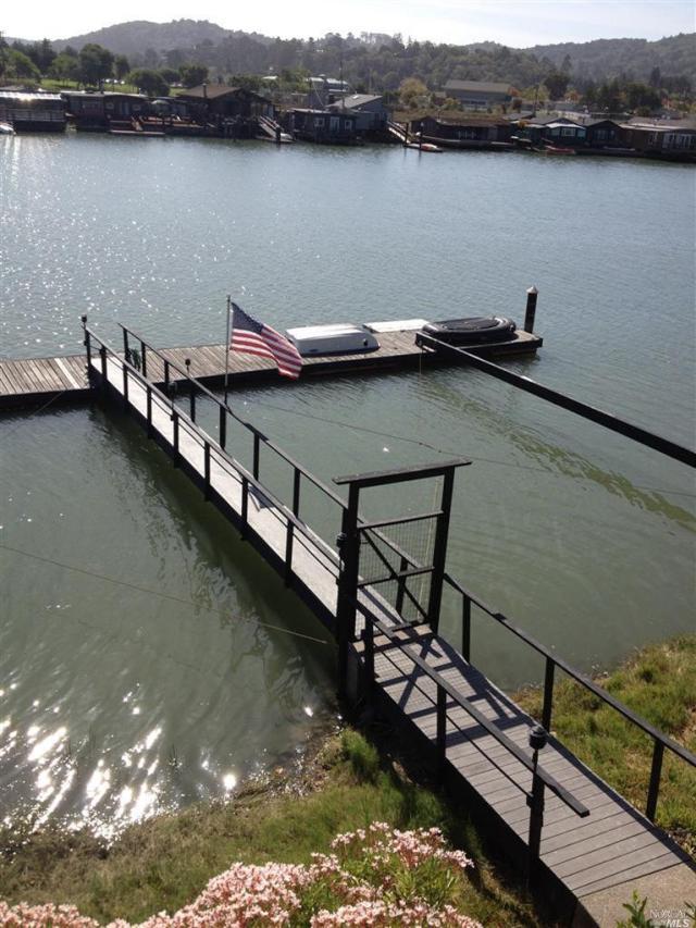 823 Eliseo boat dock