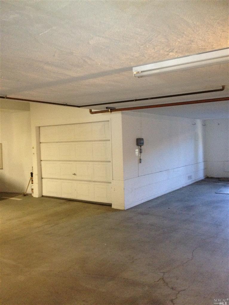 823 Eliseo garage