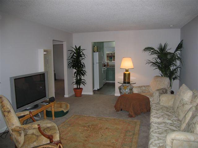 3 515 living room 092007