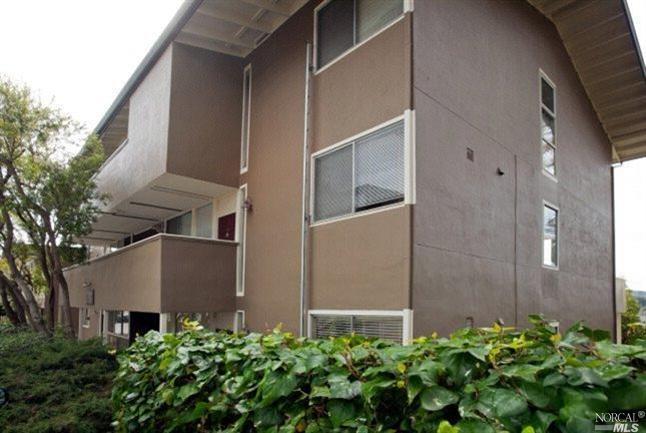 30 Andrew Drive #121 Exterior