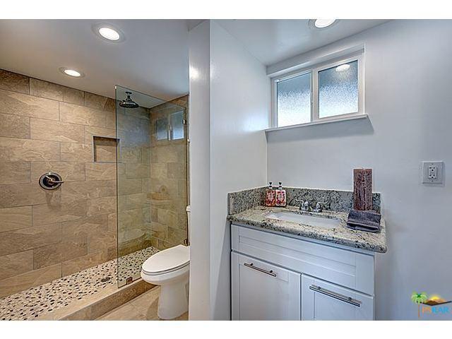 17 73390 Broken Arrow Bathroom