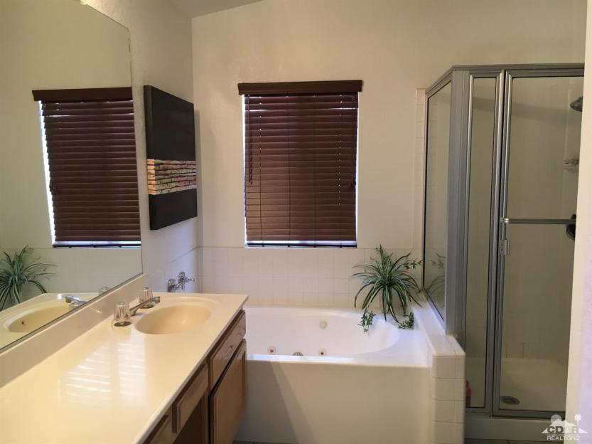 11 77723 Edinborough Master Bathroom