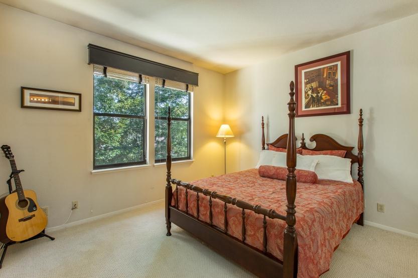 15-651-cherry-guest-bedroom