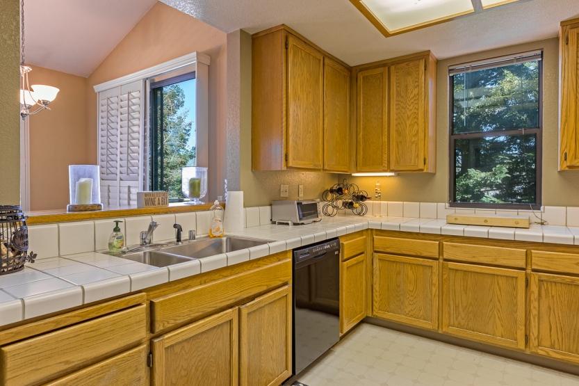 9-651-cherry-kitchen-sink-and-dishwasher